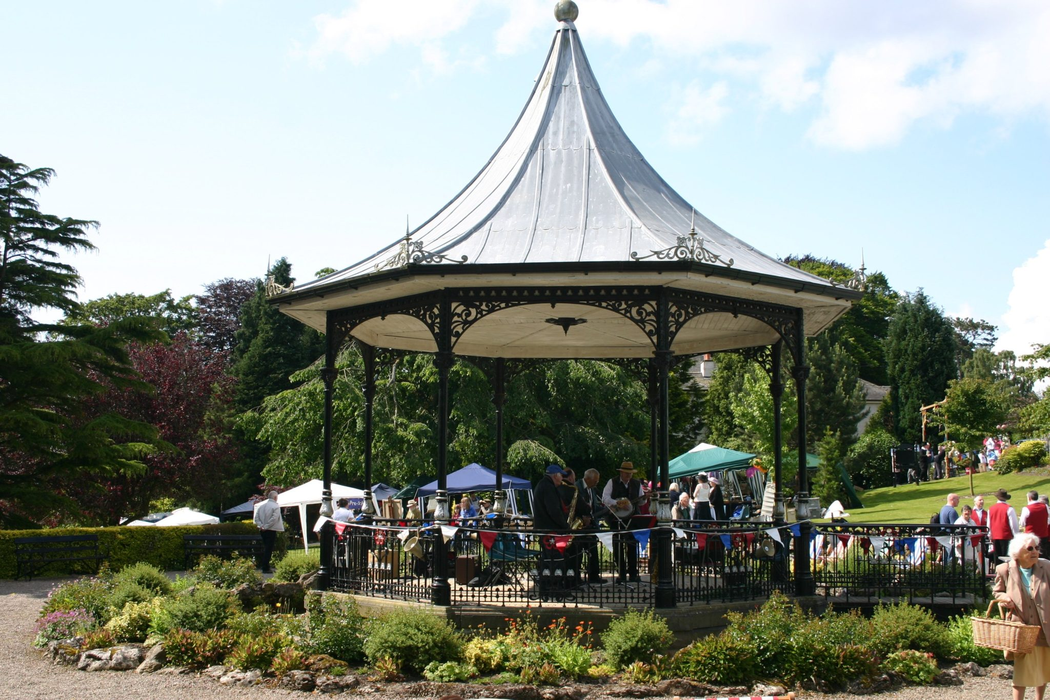 Grange Bandstand – Face The Music